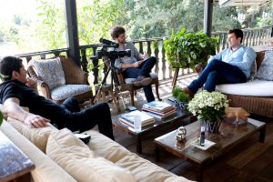 Rafael Vettori, do Festival Path, em entrevista a Clayton Melo e Daniel A. Rubio (de preto)