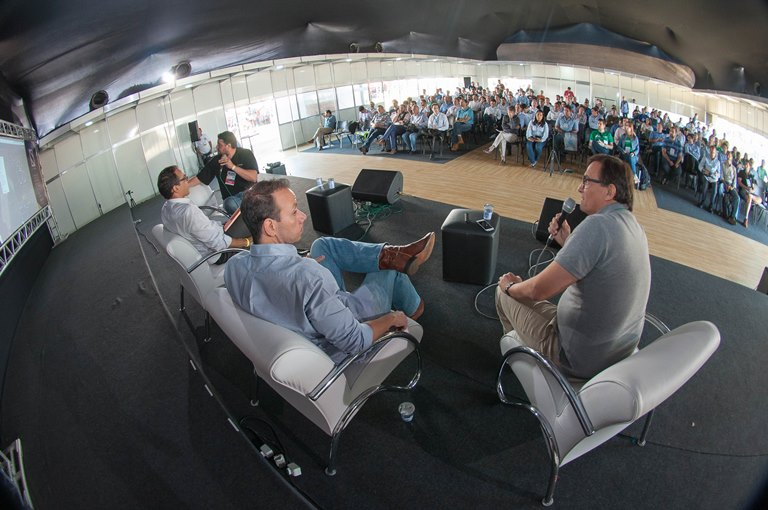 Da dir para a esq: Luiz Fernando Sá, Victor Campanelli, Luis Otávio Fonseca e Jorge Leal. FOTO: Fabio Melo/Divulgação